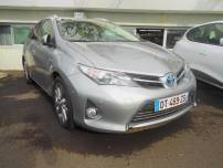 TOYOTA AURIS  Sports Touring HSD 136h Business   d'occasion